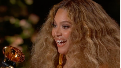 """Photo of Beyoncé Tells Fans """"I Love You DEEP!"""" In Emotional Letter"""
