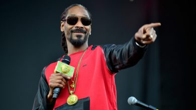 Photo of Snoop Dogg Confesses To Being The Face Behind One Of The Most Popular Twitter Accounts In The NFT World