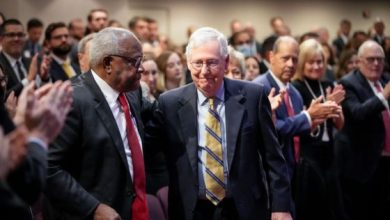 Photo of Mitch McConnell Praised Clarence Thomas Ahead Of SCOTUS Upholding Texas Ban